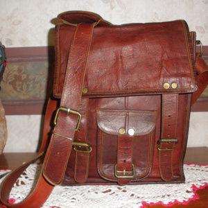 Passion Leather Crossbody/Messenger Bag